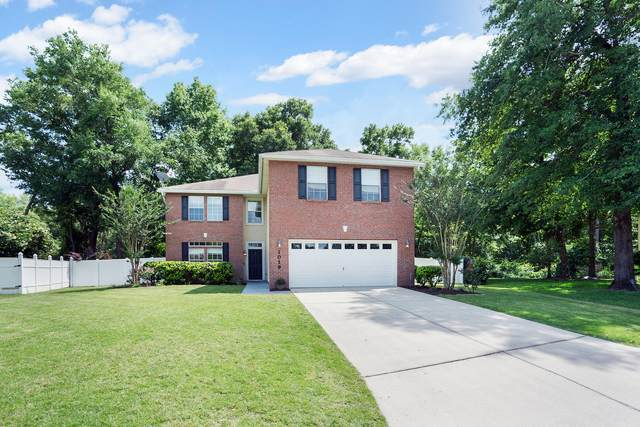 1019 W Tennessee Trce, Jacksonville, FL 32259 (MLS #1116270) :: EXIT Real Estate Gallery