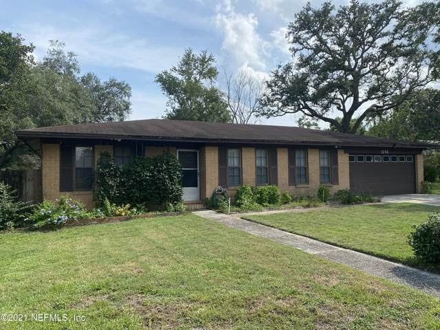 1046 Gano Ave, Orange Park, FL 32073 (MLS #1116647) :: The Hanley Home Team