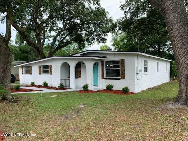335 Bonnlyn Dr, Orange Park, FL 32073 (MLS #1116725) :: The Huffaker Group