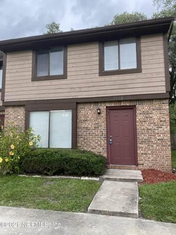 7115 Prestwick Cir N, Jacksonville, FL 32244 (MLS #1117080) :: The Volen Group, Keller Williams Luxury International