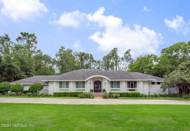8256 Hollyridge Rd, Jacksonville, FL 32256 (MLS #1117222) :: The Huffaker Group