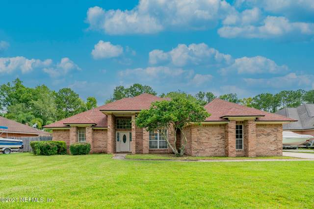 2249 Hammock Oaks Dr N, Jacksonville, FL 32223 (MLS #1117451) :: The Impact Group with Momentum Realty