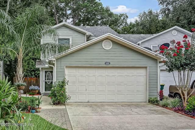 3058 Paddle Creek Dr, Jacksonville, FL 32223 (MLS #1119379) :: The Volen Group, Keller Williams Luxury International