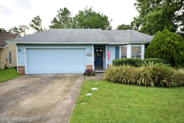 2078 Tanager Dr, Orange Park, FL 32073 (MLS #1119604) :: The Impact Group with Momentum Realty