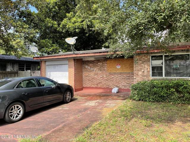 2407 Mc Carty Dr, Jacksonville, FL 32210 (MLS #1119807) :: EXIT 1 Stop Realty