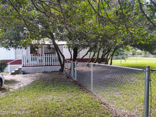 6 Ivy Ct, Middleburg, FL 32068 (MLS #1120139) :: The Huffaker Group