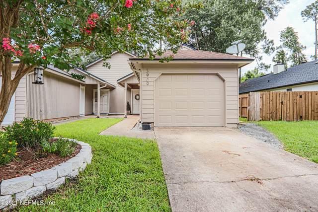 3909 Windridge Ct, Jacksonville, FL 32257 (MLS #1120205) :: The Volen Group, Keller Williams Luxury International