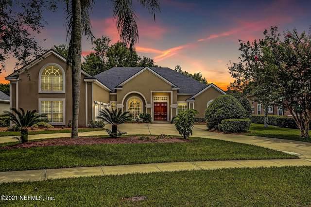 8232 Bay Tree Ln, Jacksonville, FL 32256 (MLS #1120766) :: The Huffaker Group