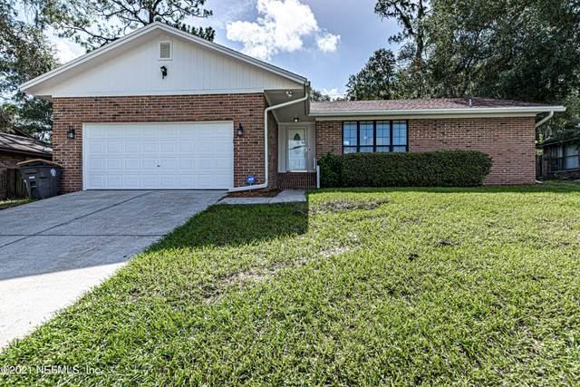 6241 Cranberry Ln E, Jacksonville, FL 32244 (MLS #1120793) :: The Volen Group, Keller Williams Luxury International