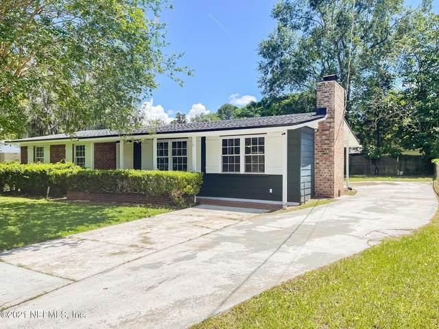 7632 Hillside Dr, Jacksonville, FL 32221 (MLS #1121391) :: The Huffaker Group