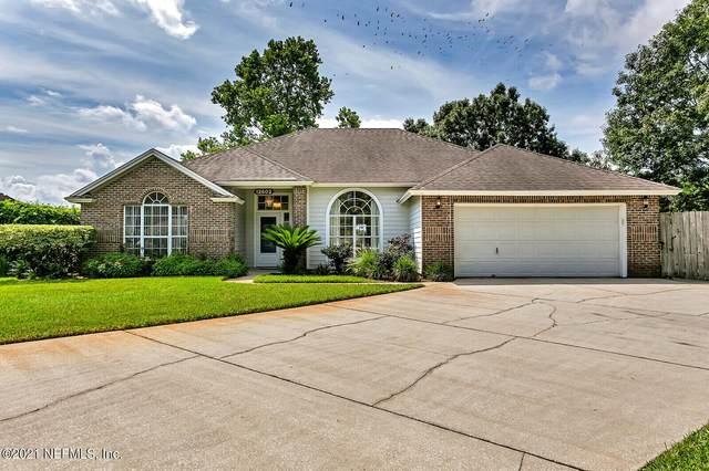 12602 Chapeltown Cir W, Jacksonville, FL 32225 (MLS #1121642) :: The Huffaker Group