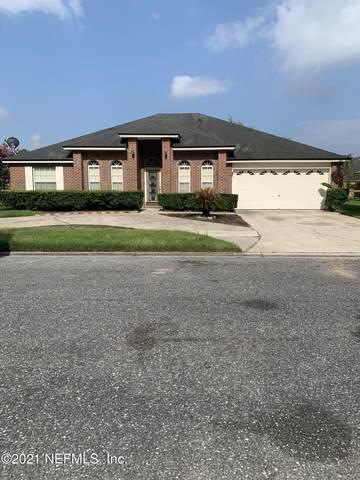 10810 Natalie Dr E, Jacksonville, FL 32218 (MLS #1122411) :: Memory Hopkins Real Estate