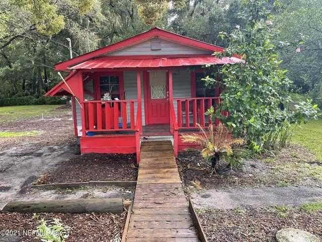 2703 Peters St, Palatka, FL 32177 (MLS #1122788) :: The Hanley Home Team