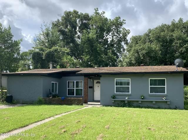 5242 Shirley Ave, Jacksonville, FL 32210 (MLS #1122805) :: The Volen Group, Keller Williams Luxury International