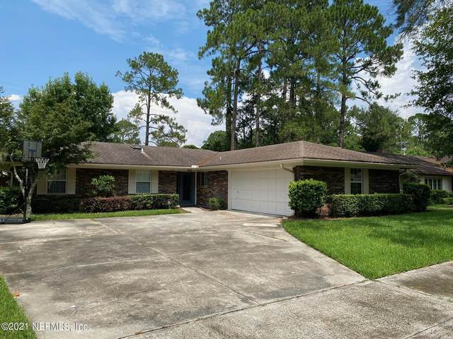 10678 La Mancha Ave, Jacksonville, FL 32257 (MLS #1123246) :: The Collective at Momentum Realty