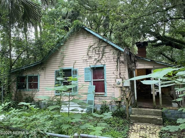 319 W Keuka Lake Trl, Interlachen, FL 32148 (MLS #1124467) :: Berkshire Hathaway HomeServices Chaplin Williams Realty