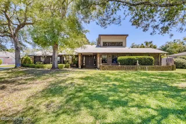 2320 Foxwood Dr, Orange Park, FL 32073 (MLS #1125854) :: EXIT Real Estate Gallery