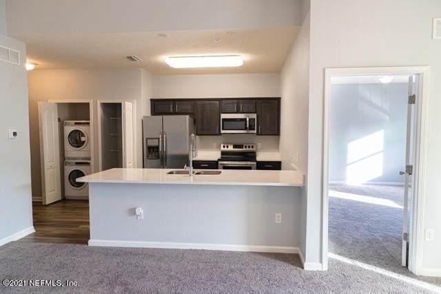 4959 Key Lime Dr #303, Jacksonville, FL 32256 (MLS #1125892) :: EXIT Real Estate Gallery