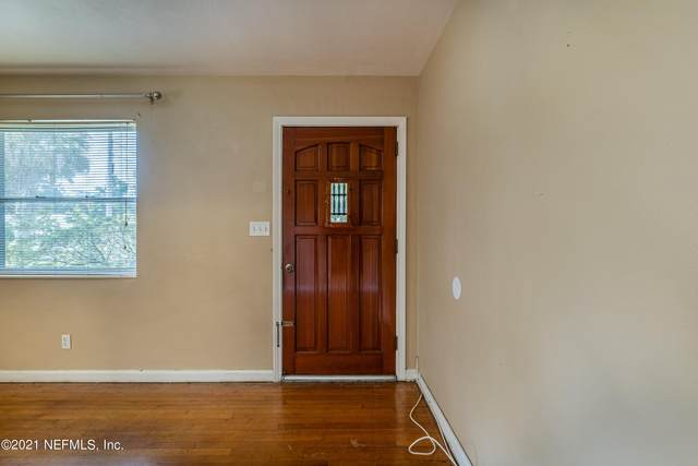 6228 Eastwood Ln, Jacksonville, FL 32211 (MLS #1129231) :: The Collective at Momentum Realty