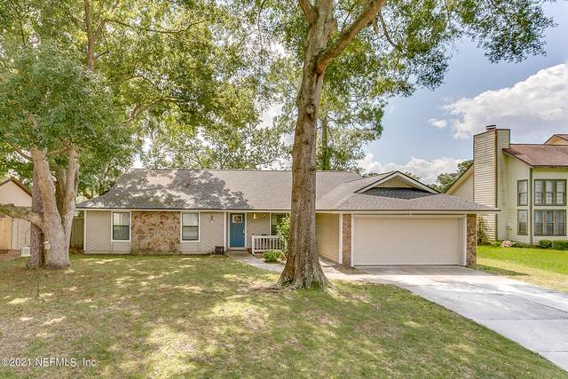 7212 Holiday Hill Ct, Jacksonville, FL 32216 (MLS #1130559) :: The Collective at Momentum Realty