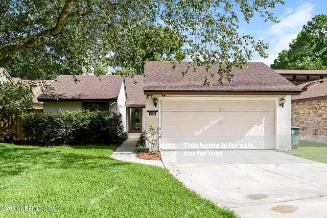 8726 Belle Rive Blvd, Jacksonville, FL 32256 (MLS #1130806) :: EXIT Real Estate Gallery