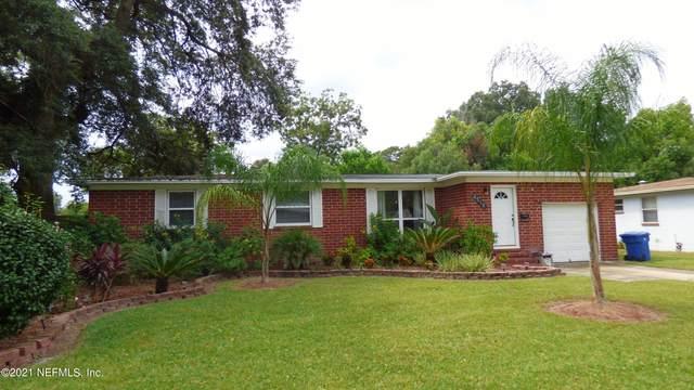 2518 Red Oak Dr, Jacksonville, FL 32211 (MLS #1130850) :: Bridge City Real Estate Co.