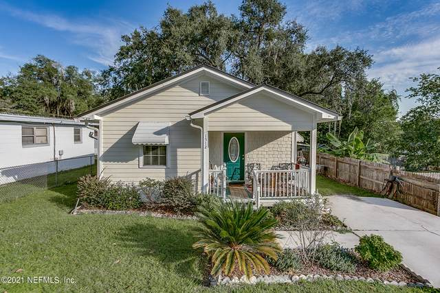 1512 Walnut St, GREEN COVE SPRINGS, FL 32043 (MLS #1131064) :: EXIT Real Estate Gallery