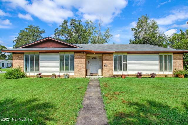 2389 Grace Ln, Orange Park, FL 32073 (MLS #1131114) :: The Collective at Momentum Realty