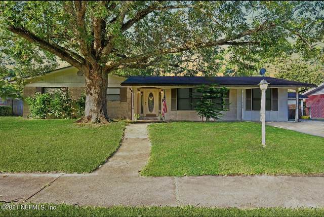 4702 Glorianne Cir E, Jacksonville, FL 32207 (MLS #1131383) :: The Collective at Momentum Realty