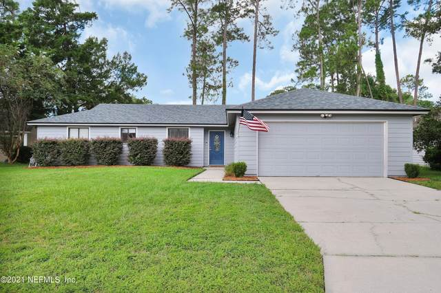 10318 Big Feather Trl, Jacksonville, FL 32257 (MLS #1131735) :: The Huffaker Group
