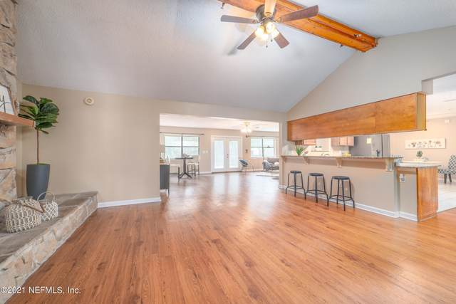 4294 Tanglewilde Dr, Jacksonville, FL 32257 (MLS #1131986) :: The Perfect Place Team
