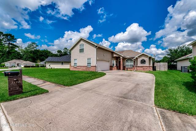 1194 Summer Springs Dr, Middleburg, FL 32068 (MLS #1132137) :: The Perfect Place Team