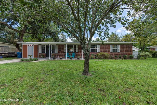 6064 Holly Bay Dr, Jacksonville, FL 32211 (MLS #1132881) :: The Collective at Momentum Realty