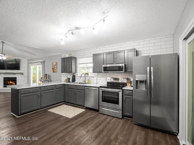 342 Tarrasa Dr, Jacksonville, FL 32225 (MLS #1134275) :: The Collective at Momentum Realty