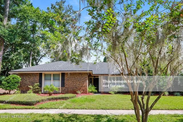 9095 Barnstaple Ln, Jacksonville, FL 32257 (MLS #1134826) :: The Perfect Place Team