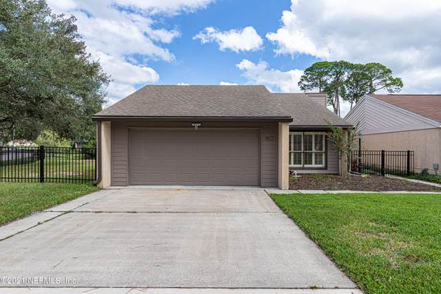 11109 Stowe Cottage Ln, Jacksonville, FL 32223 (MLS #1136466) :: CrossView Realty