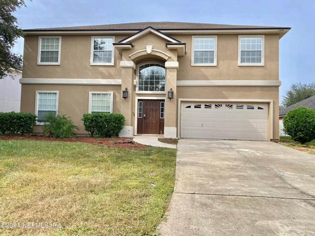 3949 Deertree Hills Dr, Orange Park, FL 32065 (MLS #1137031) :: The Impact Group with Momentum Realty