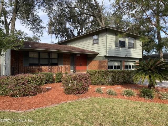 2146 Holly Leaf Ln, Orange Park, FL 32073 (MLS #1137059) :: The Huffaker Group
