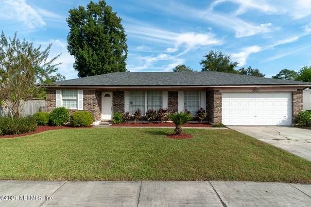 8331 Worm Wood Rd, Jacksonville, FL 32210 (MLS #1137156) :: The Impact Group with Momentum Realty