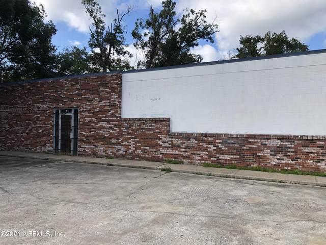 9220 Lem Turner Rd, Jacksonville, FL 32208 (MLS #1137592) :: The Huffaker Group