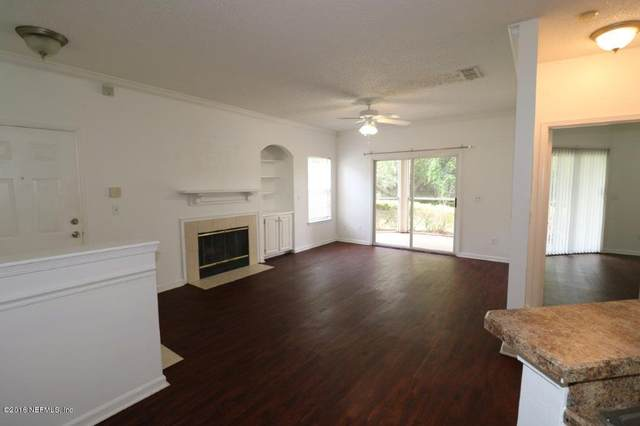 10000 Gate Pkwy N #712, Jacksonville, FL 32246 (MLS #1138147) :: The Collective at Momentum Realty