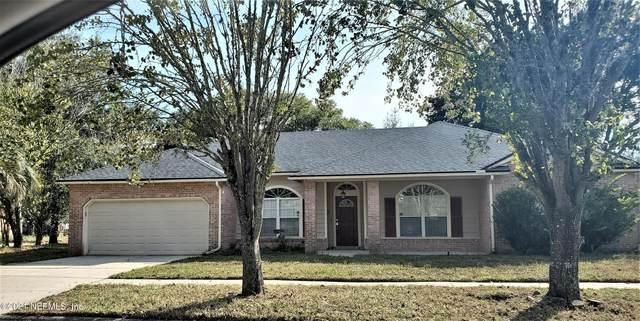 8936 Country Bend Cir N, Jacksonville, FL 32244 (MLS #1138556) :: The Volen Group, Keller Williams Luxury International
