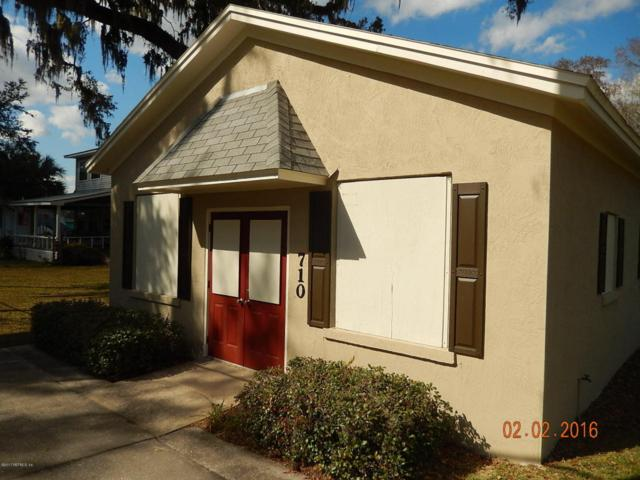 710 Walnut St, GREEN COVE SPRINGS, FL 32043 (MLS #870309) :: EXIT Real Estate Gallery
