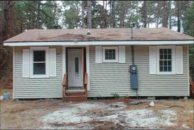 221 Palm St, Crescent City, FL 32112 (MLS #874918) :: EXIT Real Estate Gallery