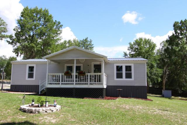 319 St Johns Ave, Satsuma, FL 32189 (MLS #887486) :: EXIT Real Estate Gallery
