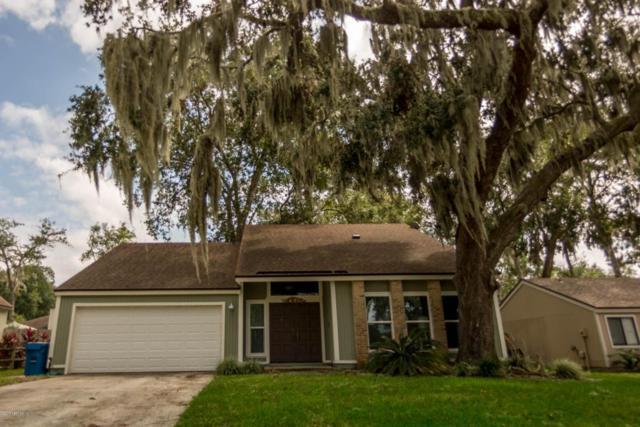 11434 Beacon Dr N, Jacksonville, FL 32225 (MLS #902463) :: EXIT Real Estate Gallery