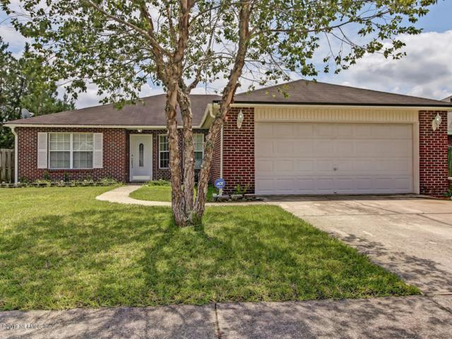 1351 Summit Oaks Dr, Jacksonville, FL 32221 (MLS #903039) :: EXIT Real Estate Gallery