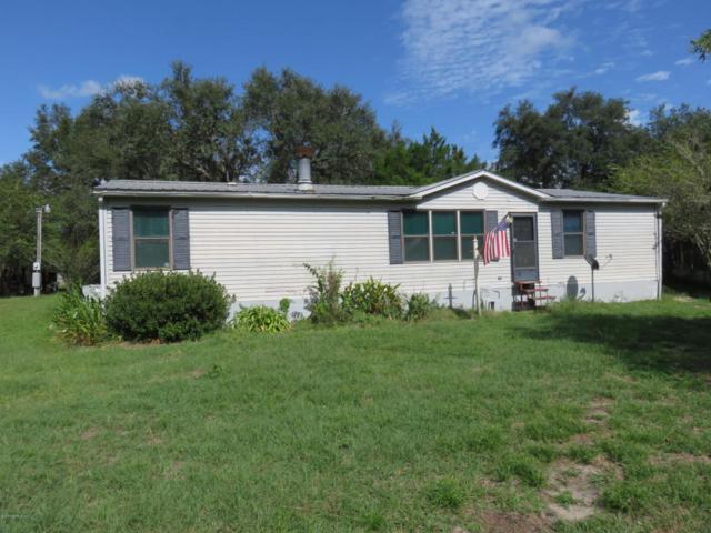404 Sheila Ave, Interlachen, FL 32148 (MLS #903815) :: EXIT Real Estate Gallery