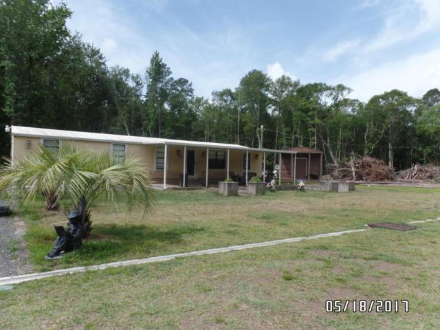 10428 Cedar Farms Rd, Glen St. Mary, FL 32040 (MLS #915785) :: EXIT Real Estate Gallery