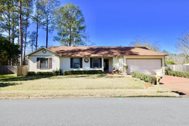 10844 Horse Track Dr, Jacksonville, FL 32257 (MLS #916540) :: EXIT Real Estate Gallery